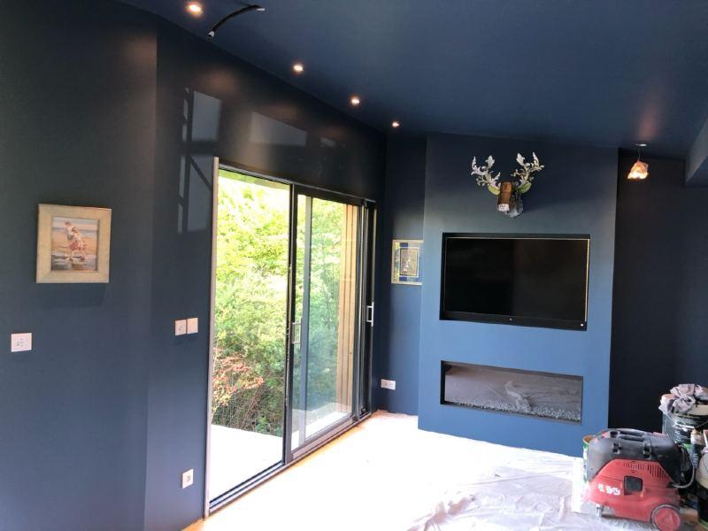 peinture salon finition velour bleu plafond et murs
